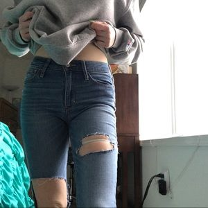 ❤️abercrombie Fitch ripped jeans